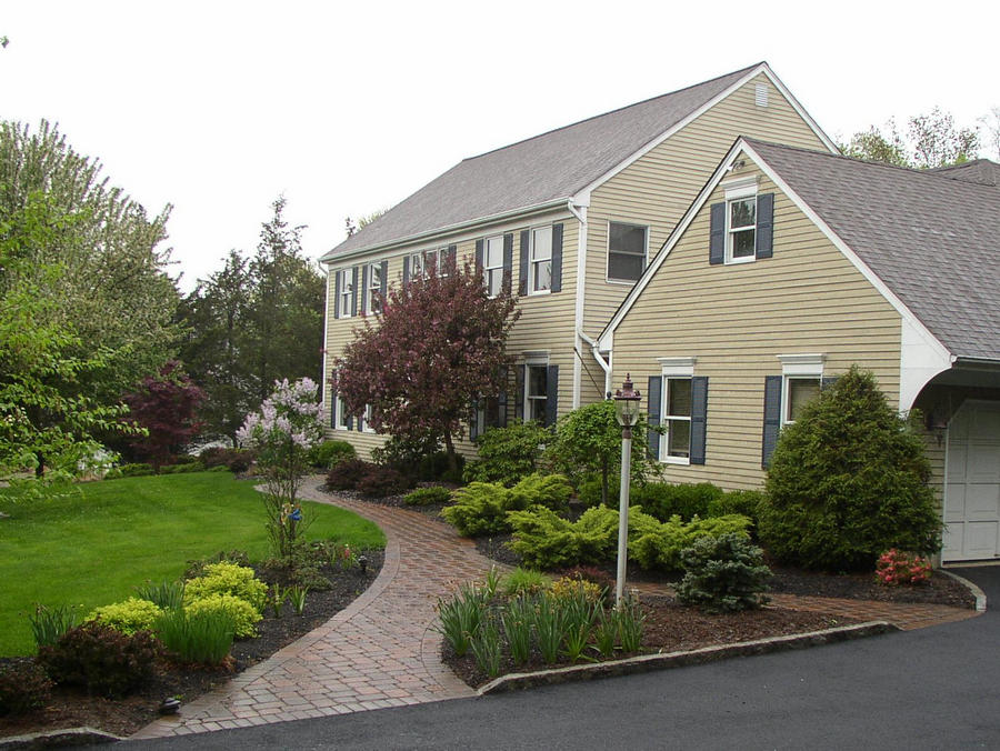 Paver walkway – entrance – Basking Ridge – NJ