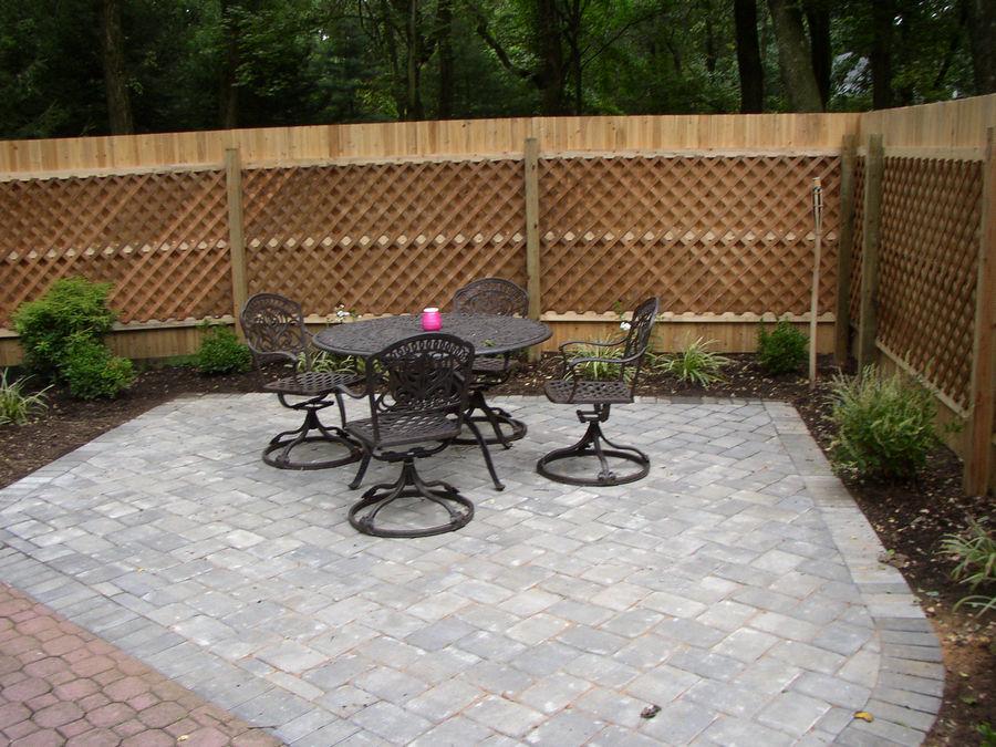 Poolside Patio – custom fence – Harding Township – NJ